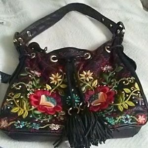 🌻 Isabella Fiore Black Leather Embroidered Purse